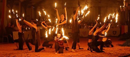 Les dîners spectacles des médiévales de Machecoul par Rais Création en Loire Atlantique 44