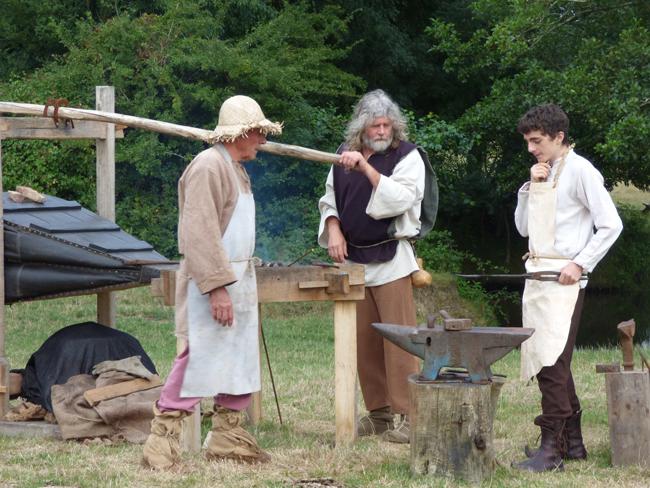 Groupe de forgerons des médiévales de machecoul par Rais Créations en Loire Atlantique